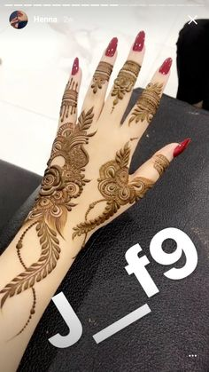 Pretty Henna Designs, Wedding Henna Designs, Modern Henna Designs, Latest Henna Designs, Henna Tattoo Designs Simple, Rose Mehndi Designs, Engagement Mehndi Designs, Henna Designs Feet, Finger Henna Designs