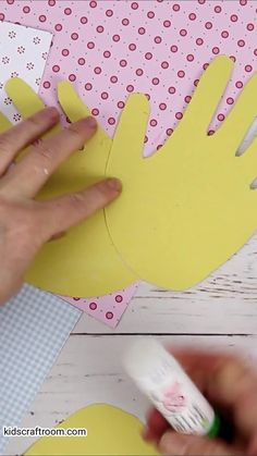 This pretty Handprint Daffodil craft for kids is so bright and cheery. It's a lovely flower craft for spring and Mother's Day. Handprint craft fun for everyone! #kidscraftroom #kidscrafts #springcrafts #daffodils #flowercrafts #handprintcrafts Creative Activities For Kids, Creative Arts And Crafts, Crafts For Kids To Make, Creative Kids, Kids Crafts, Daffodil Craft, Easy Art Projects, Coloring Pages For Kids, Flower Crafts