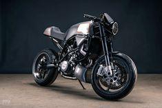 The Archduke: Analog builds the ultimate KTM 990 Super Duke European Motorcycles, Ktm Motorcycles, Motorcycle Bike, Custom Motorcycles, Ktm Super Duke, Custom Motorcycle Builders, Duke Bike, Metal Shaping, Archduke