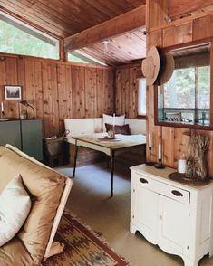 the art of slow living Small Cabin Interiors, Cottage Interiors, Rustic Interiors, Wooden Cabins, Rustic Cabins, Modern Log Cabins, Cabins And Cottages, Cabin Homes, Cabins In The Woods