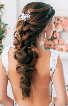 Formal Hairstyles 2014 most gorgeous and trendiest haircuts for women. Formal hairstyles 2014 have some classy hairstyles to give you best attractive look. Romantic Wedding Hair, Wedding Hair Down, Wedding Hairstyles For Long Hair, Wedding Hair And Makeup, Formal Hairstyles, Up Hairstyles, Pretty Hairstyles, Hair Makeup, Bridal Hairstyles