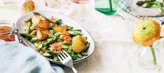 Zutaten: 600 g Frühkartoffeln; 1 kg grüner Spargel; 30 ml Olivenöl; Salz, Pfeffer; 10 g Honig; 200 g Tomaten; 1 rote Zwiebel; 40 ml Weißweinessig; 60 ml Olivenöl! Mehr dazu auf der ADEG Website! Vinaigrette, Potato Salad, Potatoes, Ethnic Recipes, Food, Honey, Glutenfree, Roast, Cooking