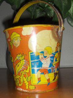ed4b7fe00b7d vintage sand pail Vintage Lunch Boxes