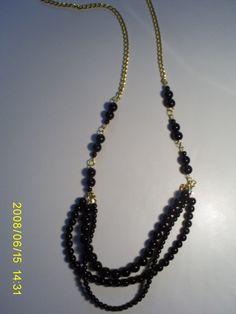 collar #3213 by carol tolg  valor $5000  espero tu pedido a caroltolg@hotmail.com  o compra directamente en www.joyascaroltolg.ecarty.com Collar, Beaded Necklace, Red, Black, Jewelry, Fashion, Shopping, Accessories, Beaded Collar