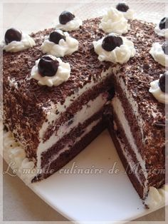 Forêt noire - one of my favs Cake Recipes, Dessert Recipes, French Pastries, Pastry Cake, Yummy Cakes, Easy Desserts, Nutella, Sweet Tooth, Sweet Treats