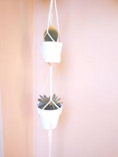Double plant hanger.Off white macrame hanger. by laLunaCreazioni, €25.00