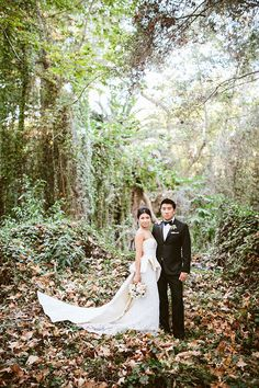 French Glamour Bride and Group | Leo Evidente | Chic Parisian Wedding in a Rustic Barn