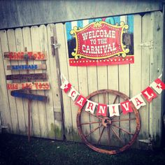 Awesome vintage decor this would be great for a birthday party ... Kids or Adult!
