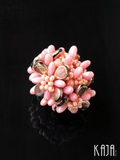 by Karolína Emingrová Beaded Jewelry, Handmade Jewellery, Czech Glass, Seed Beads, Glass Beads, Flower Blossom, Rose Gold, Pendants, Brooch