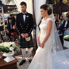 Casamento em Floripa. O noivo escocês canadense Colin e a brasileira Gabriela. Foto#rudibodanese #santacatarina  @@#boquet#felicidade#enfimcasados#amor#curitiba #amor#casamentos#weddingfloripa#weddingluxury