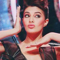 Cute Jacqueline Fernandez