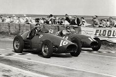 Mike Hawthorn ends Alberto Ascari's nine-race winning streak by beating Juan Manuel Fangio in the French GP