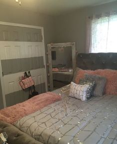 beautiful feminine bedroom decor ideas 24 < Home Design Ideas Cute Bedroom Ideas, Girl Bedroom Designs, Room Ideas Bedroom, Teen Room Decor, Small Room Bedroom, Bedroom Sets, Home Decor Bedroom, Girls Bedroom, Bedrooms