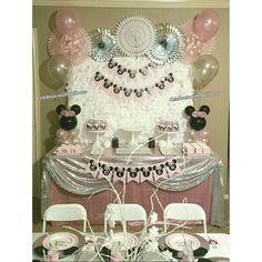 Minnie Mouse Wonderland Theme Balloon Centerpieces Balloon Centerpieces, Birthday Balloons, Minnie Mouse, Chandelier, Ceiling Lights, Celebrities, Wonderland, Home Decor, Homemade Home Decor