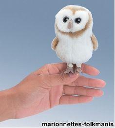 Une peluchemarionnette chouette effraietoute douce. Il s'agit d'une marionnette à doigt.La gamme desmarionnettes…