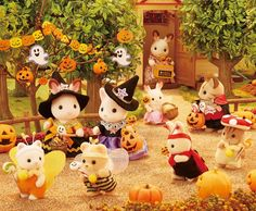 """""""Can I eat one now, pretty please with pumpkins on top? Sylvanian Families House, Calico Critters Families, Ideas Habitaciones, Baby Doll Nursery, Family Halloween, Halloween Pumpkins, Vintage Teddy Bears, Cute Toys, Miniture Things"""