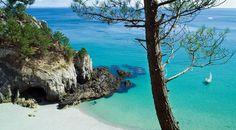 Magnifique plage du Crozon © sainthorant daniel / Shutterstock.com