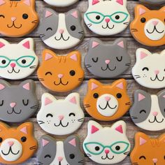 the sweetest kitty cookies made to match the sweetest kitty plates ☺️ i think balls of yarn are my new favorite cookie 😻 . Super Cookies, Fancy Cookies, Royal Icing Cookies, Kitten Party, Cat Party, Cat Birthday, Birthday Cookies, Macarons, Cat Cupcakes