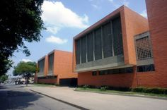 Colegio San Francisco de Asis / Edward Conde Sena