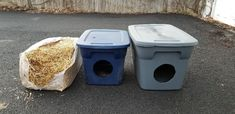 How To Build a Winter Cat Shelter in 5 Easy Steps - Thistle Downs Farm Feral Cat Shelter, Feral Cat House, Outdoor Cat Shelter, Cat House Diy, Outdoor Cats, Feral Cats, Outside Cat Shelter, Heated Outdoor Cat House, Cat Shelters For Winter