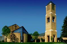 torre de telefonía celular disfrazada de un campanario de la iglesia (1)