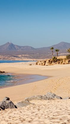 Desierto y mar en #CaboSanLucas. Paisajes que enamoran regala el noroeste mexicano.