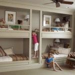 Great idea for my next home. Son can have a choice of beds! :)