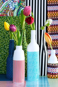 DIY Design: How to make a colourful bottle vase - achica living Diy Design, Floral Photography, Bottle Vase, Used Iphone, Daffodils, Colorful Flowers, Flower Power, Beautiful Homes, Diys