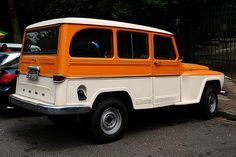 Ford Rural Jeep Cars, Us Cars, Station Wagon, Cool Trucks, Cool Cars, Carros Vw, Willys Wagon, Old Pickup Trucks, Ford Galaxie