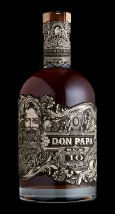 Ron Don Papa de 10 años (Filipinas) Alcohol Bottles, Liquor Bottles, Bottle Bottle, Cigars And Whiskey, Scotch Whiskey, Fun Drinks, Alcoholic Drinks, Cocktails, Don Papa