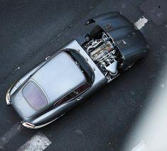 "utwo: "" Jaguar E Coupe © cm arte "" usine à gaz Jaguar E Type, Jaguar Cars, Classic Style, Classic Cars, Airplane Car, Weird Cars, Crazy Cars, British Sports Cars, Car Car"