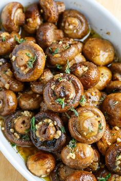 Roasted Mushrooms in a Browned Butter Garlic and Thyme Sauce. Roasted Mushrooms in a Browned Butter Garlic and Thyme Sauce . Substitute vegan butter and viola' - Simple Vegan goodness! use olive oil instead of butter - Gluten free Recipes Vegetarian Recipes, Cooking Recipes, Healthy Recipes, Cooking Games, Cooking Eggs, Cooking Rice, Cooking Steak, Cooking Videos, Cooking Classes