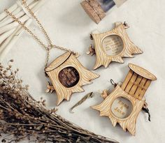 Personalized Message in Tree Locket Necklace por StrangelyYours