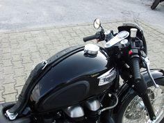 Triumph Thruxton Black Beauty ~