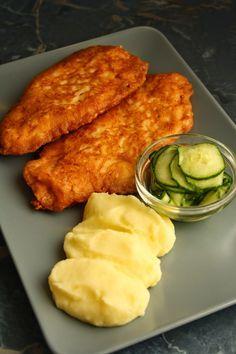 A recept megjelent a Kifőztük magazin decemberi számában. Hozzávalók 80 dkg csirkemellfilé 4 tojás 15 dkg reszelt sajt 1 evő...