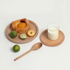 Round Plate Dish Japanese Natural wood Plate Sushi Tray Breakfast Plate Dessert Fruit Dish Afternoon Tea Tray Wood Dinnerware