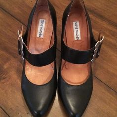 Steve Madden Mary Janes - Size 10. Fits like a 9. Funky leather Steve Madden Mary Janes. Stamped size 40 inside. Stamped size 10 on bottom. Fits like a 9. Fun! Worn just to try on! Steve Madden Shoes