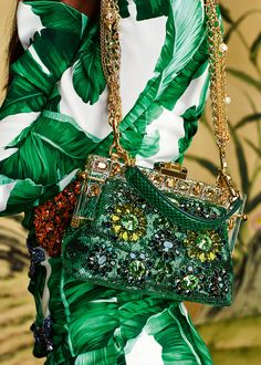 Discover the new Dolce & Gabbana Women's Botanical Garden Collection for Fall Winter 2016 2017 and get inspired.