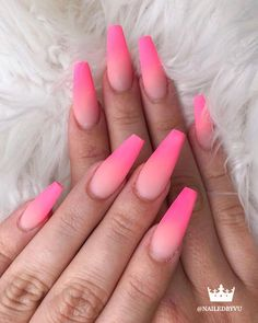 In summer, I always change the color of my nails every once in a while, not for anything else, just to please myself. If you are still looking for nail colors that are popular this summer, then you are in the right place. Aycrlic Nails, Neon Nails, Swag Nails, Grunge Nails, Bling Nails, Acrylic Nails Coffin Short, Pink Acrylic Nails, Coffin Nails, Pink Coffin