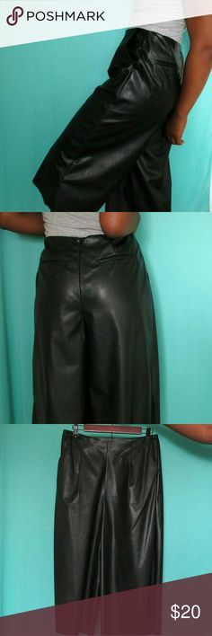 Culottes Faux leather in like new condition. Great for dressing up or down a outfit. A statement piece for your wardrobe. Pants Ankle & Cropped