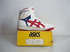 Vintage asics / La gear shoes Vintage Shoes Men, Vintage Sneakers, Classic Sneakers, Men S Shoes, Shoes Sneakers, Sports Brands, Sporty Outfits, High Heel Boots, Sports Shoes