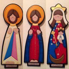 Artesanias Virgenes En Mdf - Bs. 3.800,00 en MercadoLibre Jesus Crafts, Christmas Crafts, Christmas Decorations, Arte Country, Big Cupcake, Handicraft, Smurfs, Nativity, Projects To Try