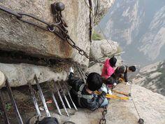 15 Breathtaking Tourist Destinations That Will Literally Kill You
