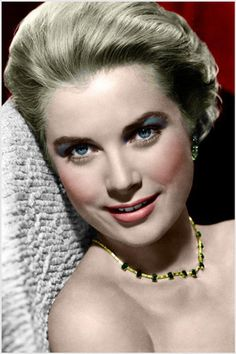Grace Kelly, moviestar of the and later Princess of Monaco Grace Kelly Mode, Grace Kelly Style, Hollywood Glamour, Classic Hollywood, Old Hollywood, Hollywood Actresses, Photo Glamour, Princesa Grace Kelly, Patricia Kelly