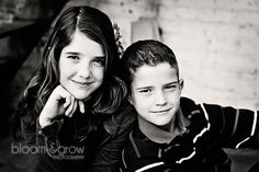 Brother and sister Kid Poses, Male Poses, Children Poses, Love Photography, Children Photography, Family Portraits, Family Photos, Brother Sister Photos, Senior Pictures