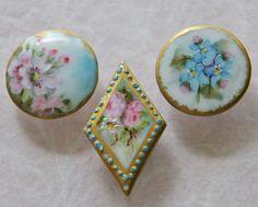 3 boutons de Stud de porcelaine antique main par MOTHWORKSVINTAGE