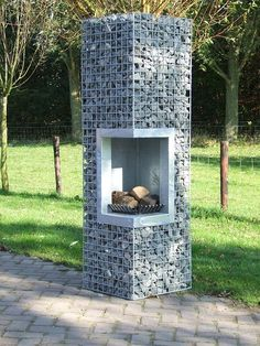 Great Snap Shots exterior Fireplace Outdoor Suggestions Planning for an Outdoor Fireplace? Outdoor fireplaces and fire pits develop a warm and inviting area Outdoor Spaces, Outdoor Living, Outdoor Art, Outdoor Oven, Outdoor Ideas, Outdoor Decor, Gabion Wall, Gabion Fence, Brick Fence
