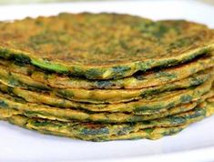 Desi Spinach Pancakes, They don't sound very good, but I bet they are. Czech Recipes, Raw Food Recipes, Indian Food Recipes, Great Recipes, Cooking Recipes, Healthy Recipes, Favorite Recipes, Spinach Pancakes, Savory Pancakes