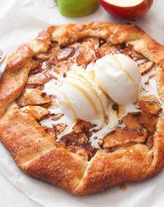 Just Desserts, Delicious Desserts, Yummy Food, Easy Apple Desserts, Profiteroles, Cannoli, Fruit Galette Recipe, Galette Pastry Recipe, Easy Apple Galette Recipe
