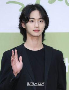 New Fantasy, Fantasy Romance, Memories Of The Sword, Kim Go Eun, Screenwriting, Music Albums, Lee Min Ho, Korean Actors, Female Characters